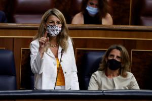 La 'guerra' de dos ministerios del PSOE con Yolanda Díaz amenaza el pago del paro y los ERTE