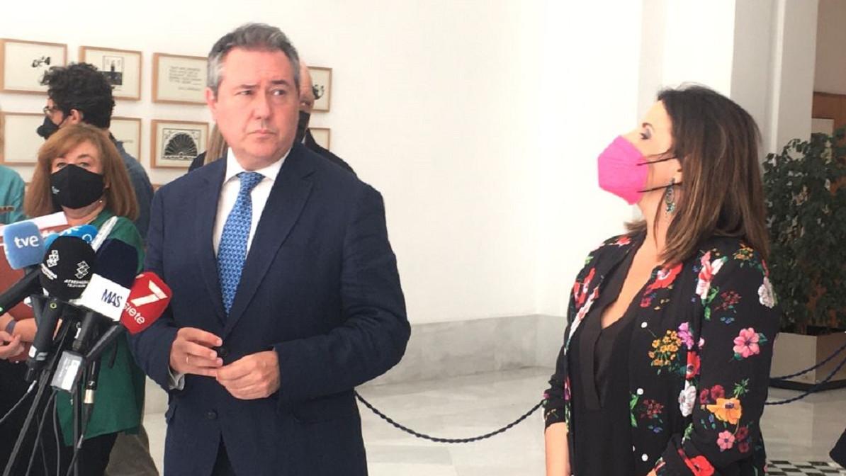 """Espadas anuncia en el Parlamento """"una nueva etapa política"""" de acuerdos con el PP frente a Vox"""
