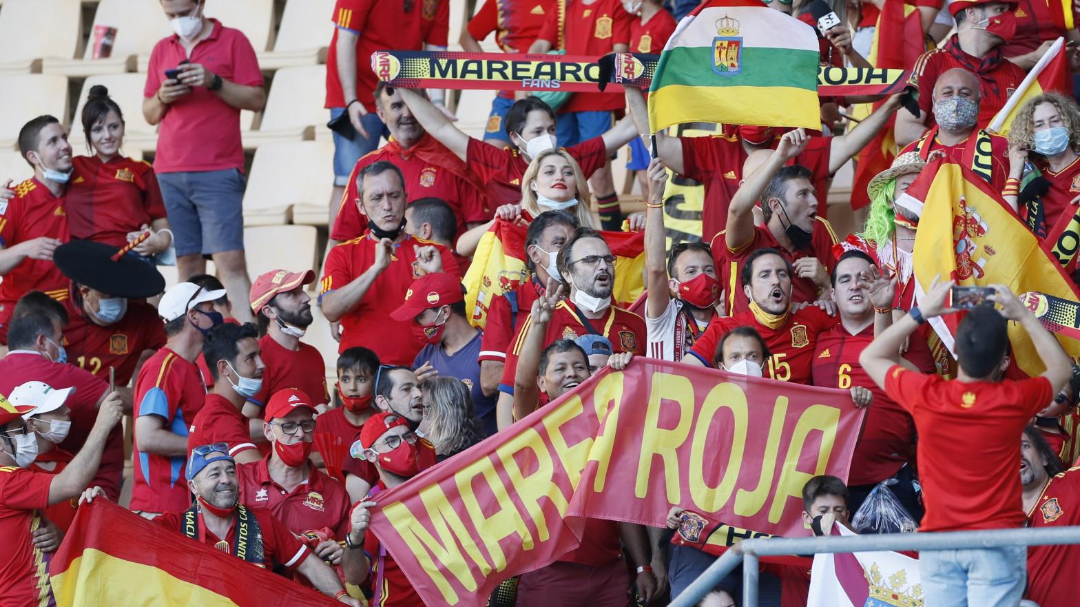 """El Gobierno anuncia la vuelta con """"normalidad"""" a los estadios de fútbol y otros deportes"""