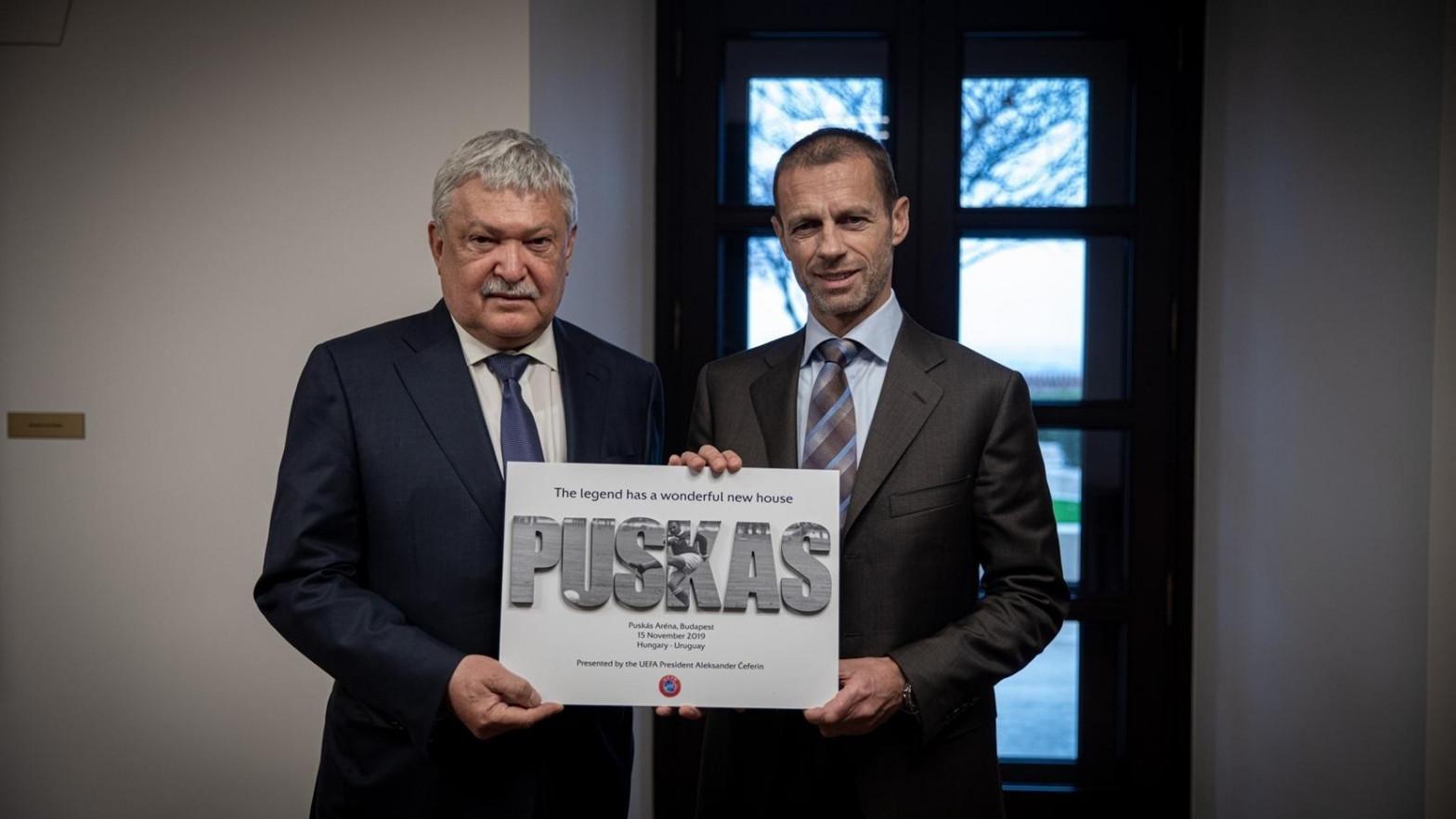 Sándor Csányi, presidente de la Federación Húngara de Fútbol (MLSZ) y vicepresidente de la UEFA, y el presidente del organismo, Aleksander Čeferin, en noviembre de 2019.