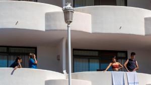 El 'megabrote' de Mallorca ya supera los 900 casos confirmados