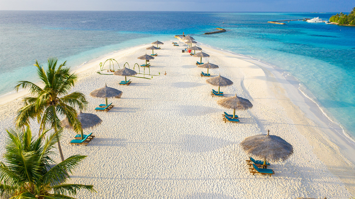 Destinos para descalzarse: cinco playas para disfrutar este verano