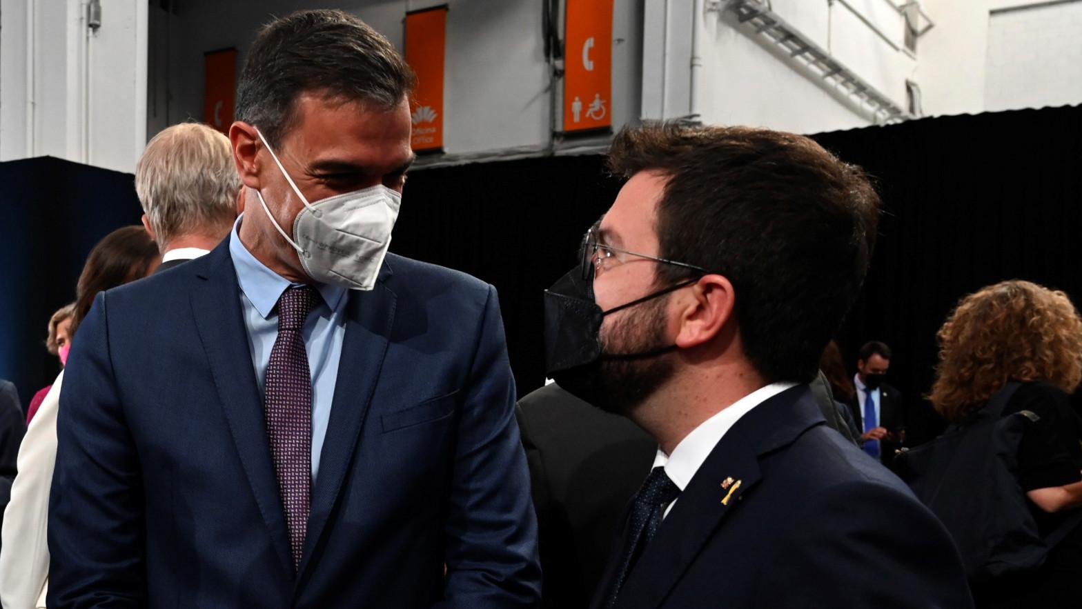 """Pedro Sánchez rechaza que Oriol Junqueras esté en la mesa de diálogo: """"Está inhabilitado"""""""