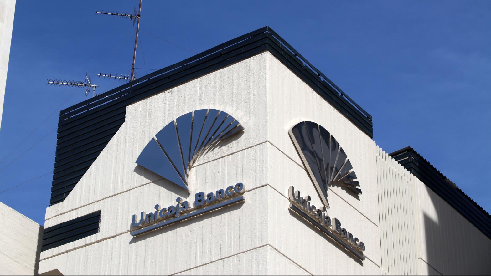 Edificio de la sede de Unicaja Banco en Málaga, Andalucía (España)