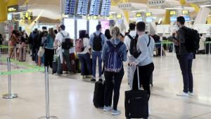Países Bajos saca a Islas Canarias y Baleares de su lista de zonas seguras