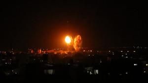 Israel ataca una instalación de Hamás tras el lanzamiento de globos incendiarios desde Gaza
