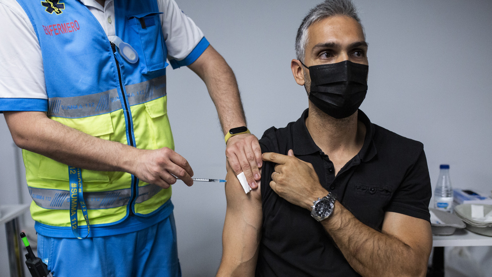 Madrid abre la cita por teléfono a mayores de 35 años para la vacuna en centros de salud