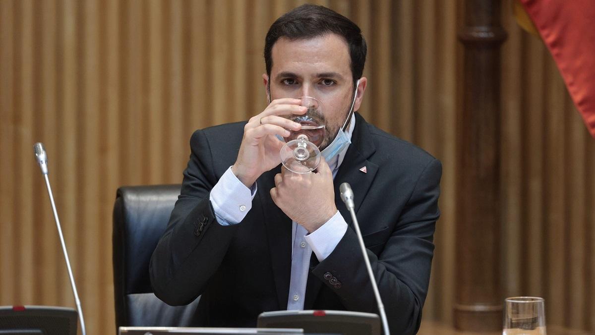 """Garzón recomienda reducir el consumo de carne: """"Cada kilo requiere 15.000 litros de agua"""""""