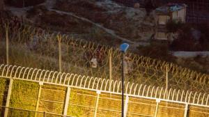 Entran a Melilla 119 subsaharianos en un salto a la valla de más de 200 personas