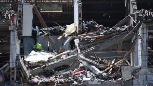 Ascienden a 8 los muertos por derrumbe de un edificio en China.
