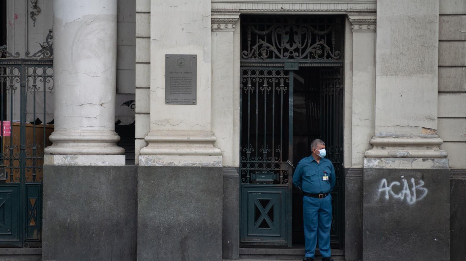 Chile prorroga hasta el 25 de julio el cierre de fronteras.