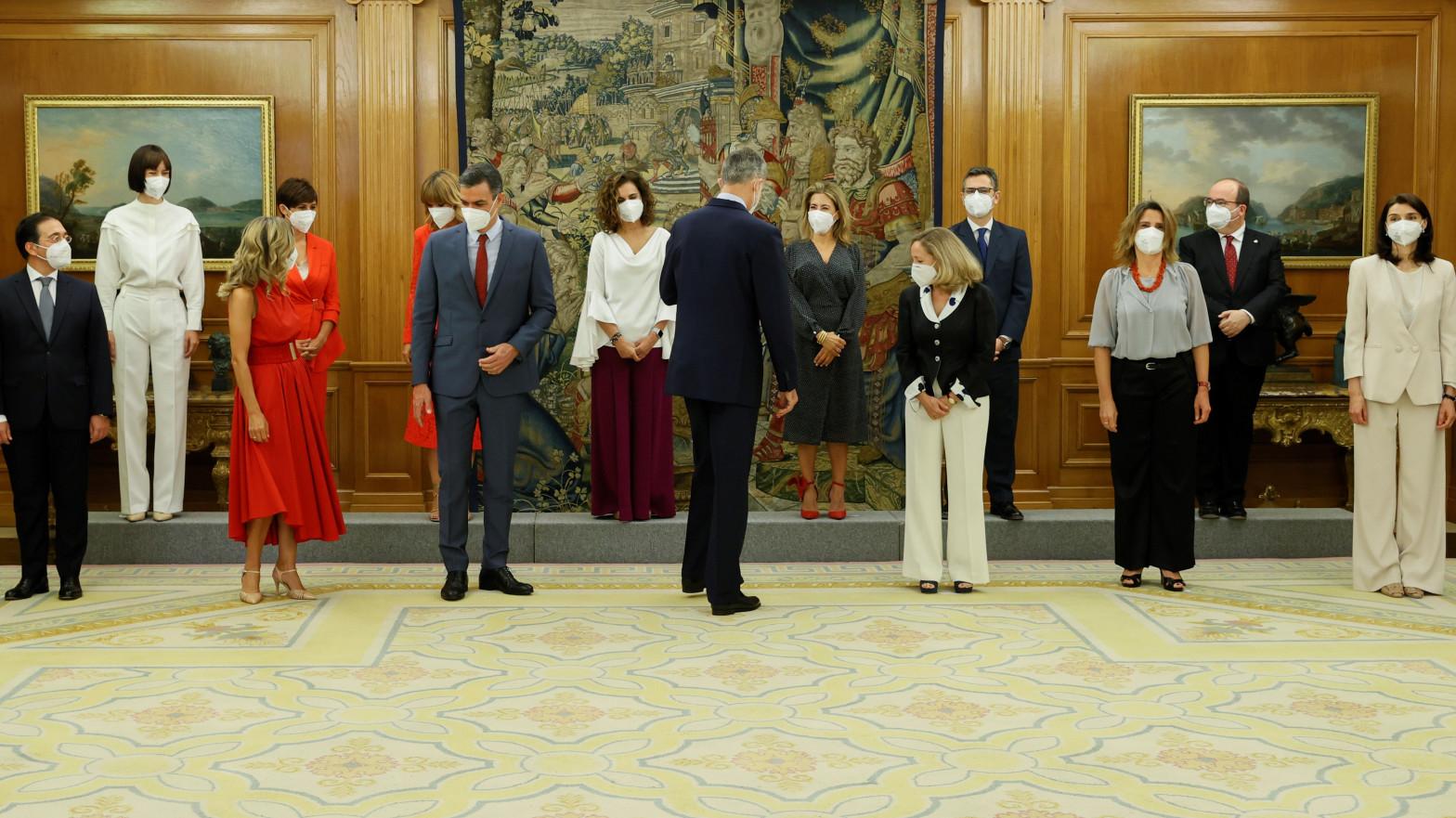 Los nuevos ministros se estrenan con la vuelta del Consejo a su sala histórica