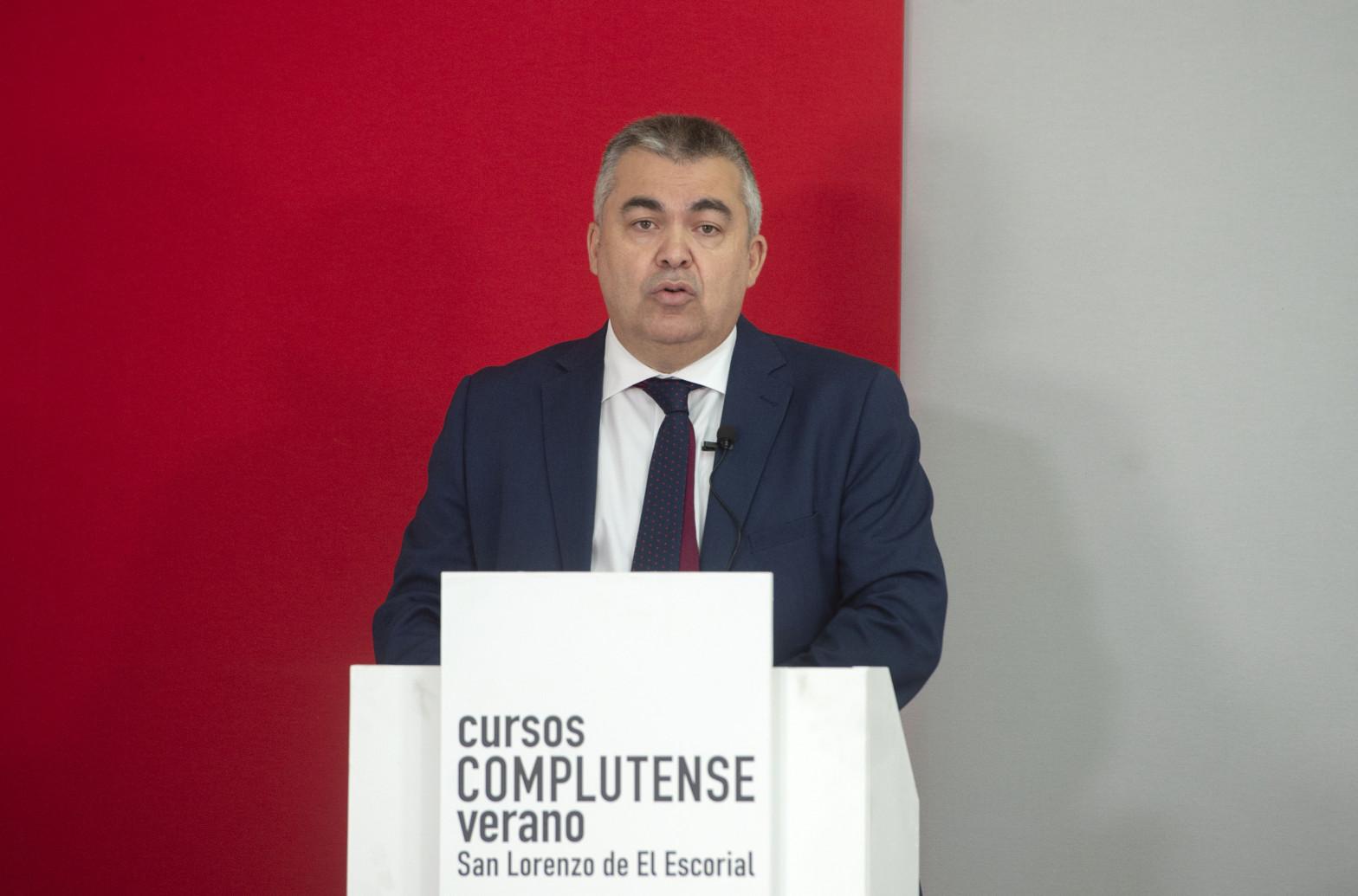 """El PSOE, """"sorprendido"""" por el fallo del TC sobre el estado de alarma."""