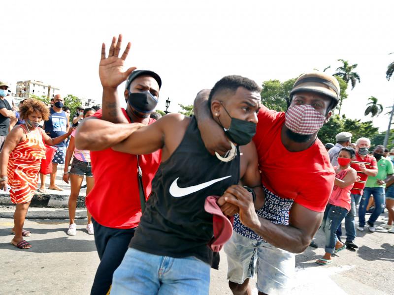 Cuba: una democracia hereditaria con un nivel de ingesta calórica sostenible con el medio
