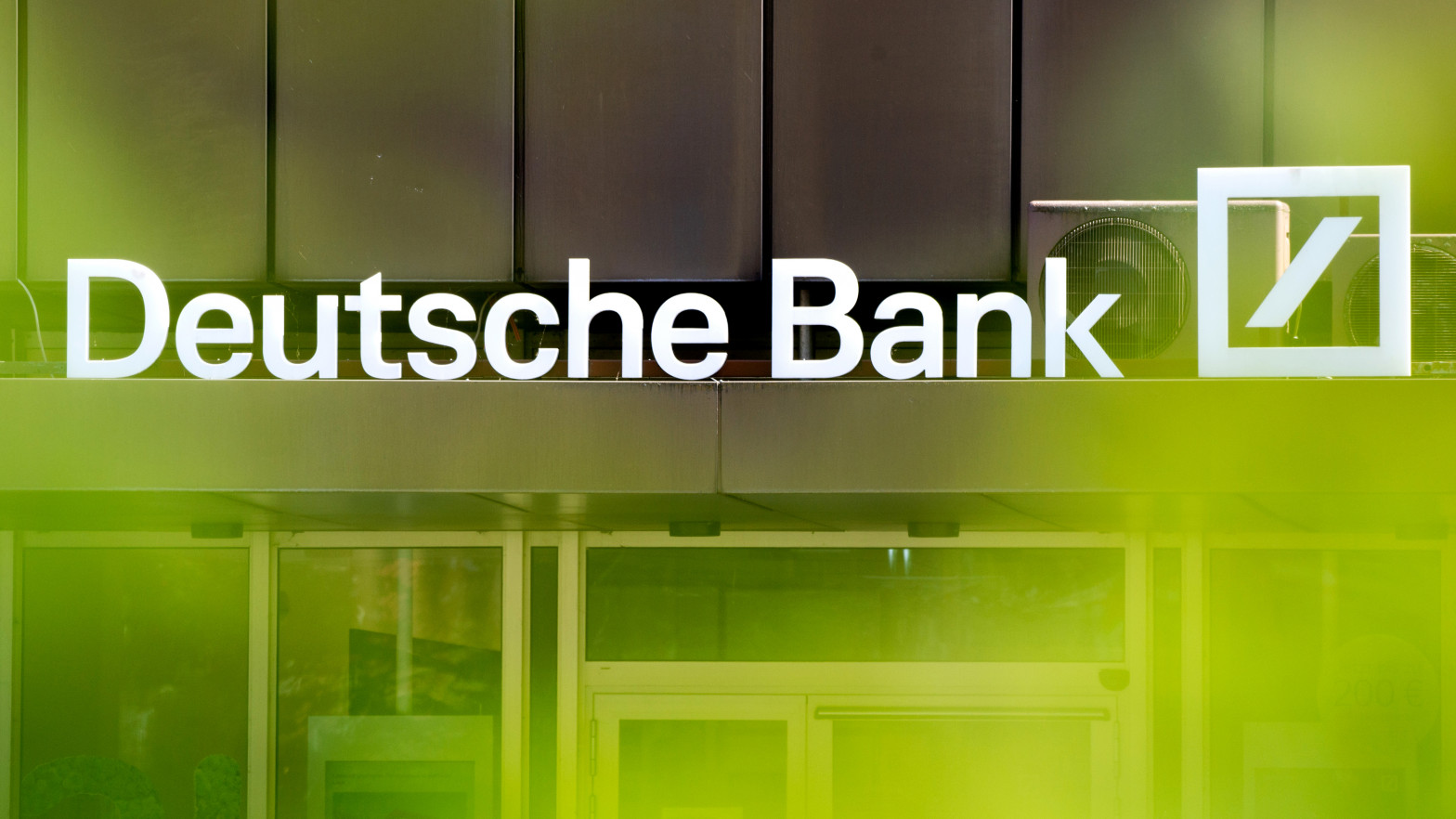 La familia Matutes estudia demandar a Deutsche Bank por venta de productos complejos