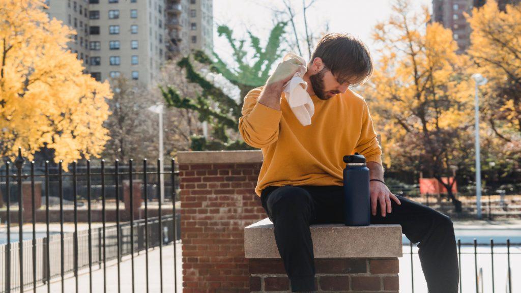 sudor sudoracion mal olor corporal bromhidrosis