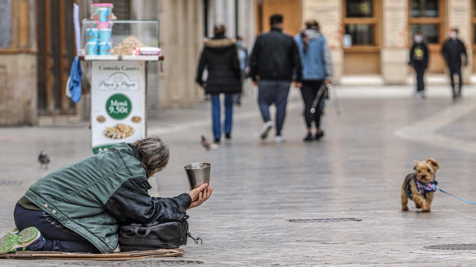 El riesgo de pobreza entre los jóvenes españoles es muy superior al de la UE