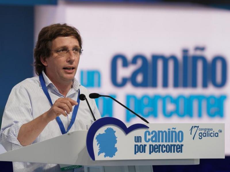 """Almeida afea a Sánchez no recortar ministerios tras la """"matanza"""" en su Gobierno"""