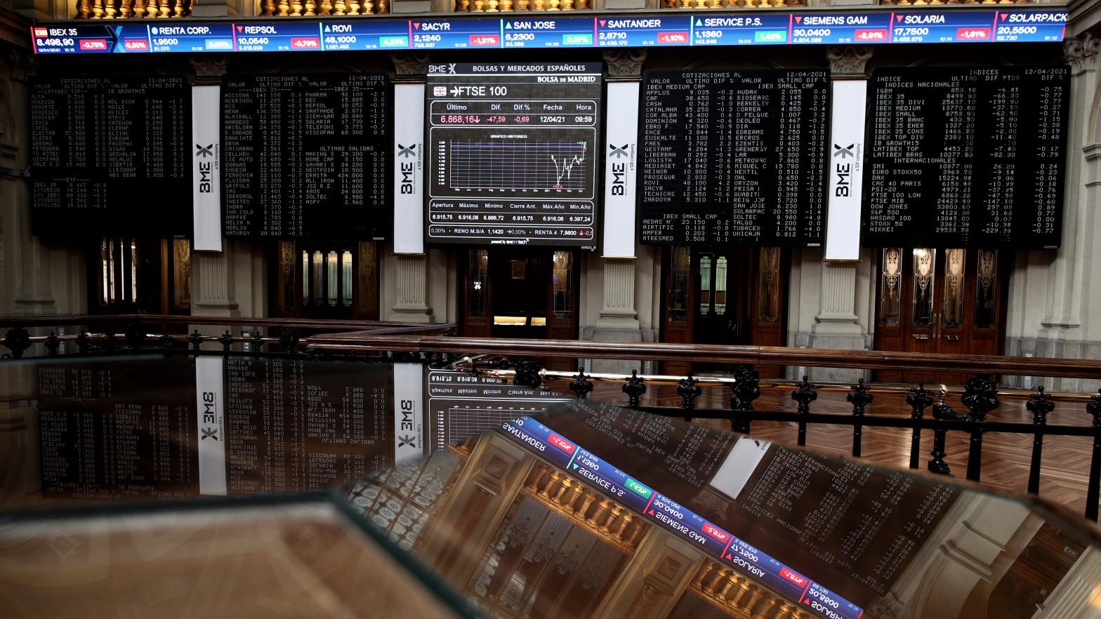 La Bolsa cae un 2,4% y cierra su segundo peor resultados del año ante el alza de los contagios