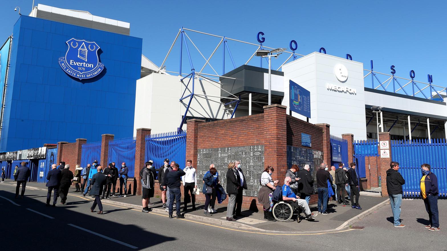 Un futbolista del Everton, detenido por un presunto caso de delitos sexuales contra menores