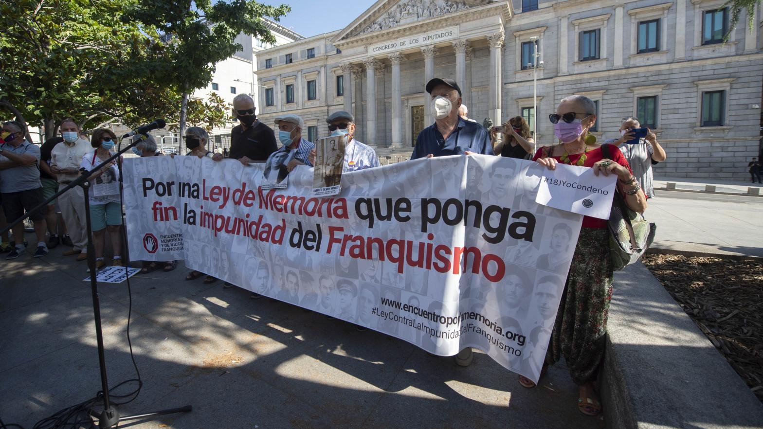 Fundación Franco insta al PP a luchar contra la ley de memoria democrática