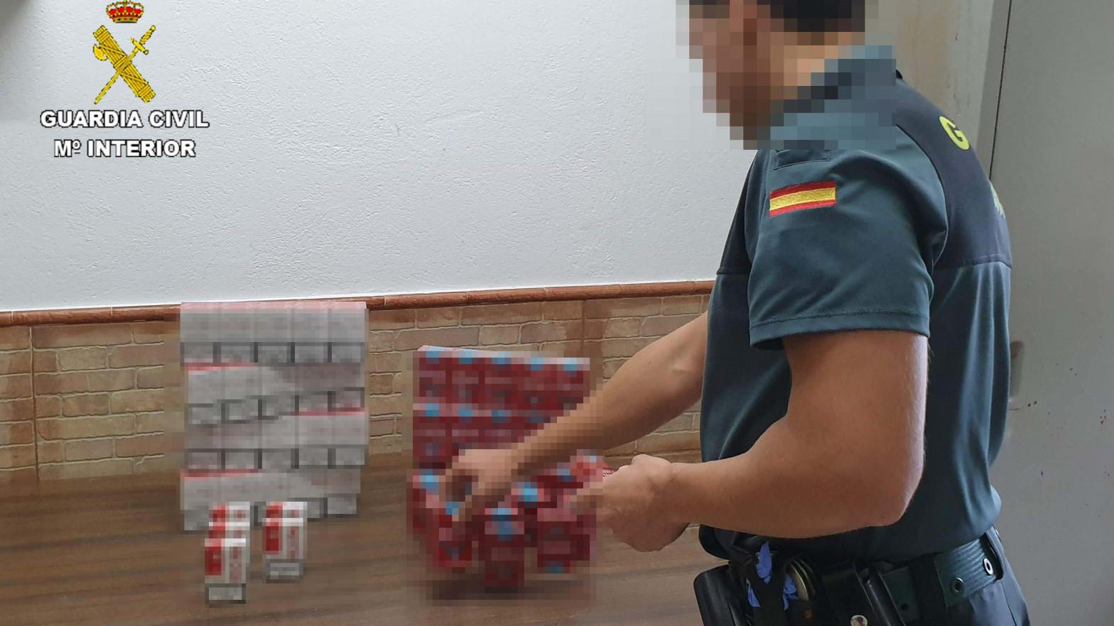 La Guardia Civil desarticula una red criminal internacional de venta y producción de tabaco