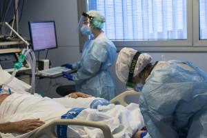 Cataluña notifica 7.585 positivos y 17 fallecidos más por coronavirus