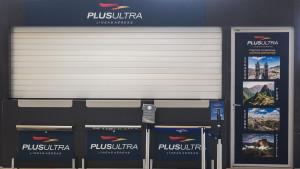 Un stand de la aerolínea Plus Ultra.